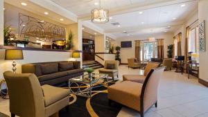 Best Western Plus Tucson Int'l Airport Hotel & Suites, Отели  Тусон - big - 64