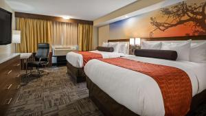 Best Western Premier Milwaukee-Brookfield Hotel & Suites, Hotels  Brookfield - big - 54