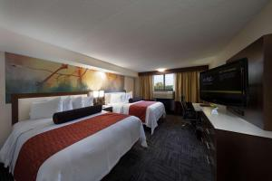 Best Western Premier Milwaukee-Brookfield Hotel & Suites, Hotels  Brookfield - big - 48