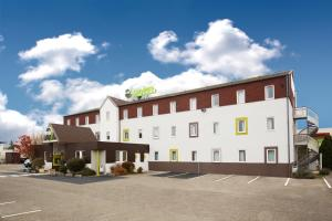 Accommodation in Saint-Bonnet-de-Mure