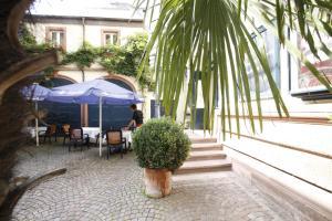 Hotel Schiller, Hotely  Freiburg im Breisgau - big - 54