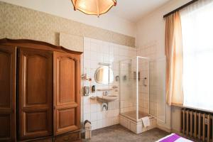 Hotelpension Margrit, Guest houses  Berlin - big - 7