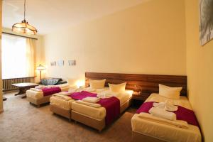 Hotelpension Margrit, Guest houses  Berlin - big - 37