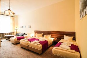 Hotelpension Margrit, Guest houses  Berlin - big - 35