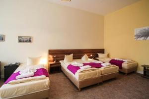 Hotelpension Margrit, Guest houses  Berlin - big - 34