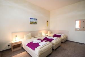 Hotelpension Margrit, Guest houses  Berlin - big - 23