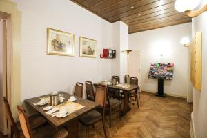 Hotelpension Margrit, Guest houses  Berlin - big - 21