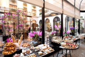 Four Seasons Hotel George V Paris (10 of 65)