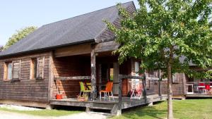 Location gîte, chambres d'hotes VVF Villages « Les Moulins de Mayenne » Sainte-Suzanne dans le département Mayenne 53