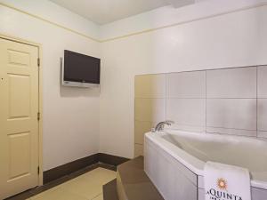 La Quinta Inn & Suites South Padre Island Beach, Hotels  South Padre Island - big - 44