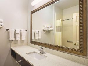 La Quinta Inn & Suites South Padre Island Beach, Hotels  South Padre Island - big - 24