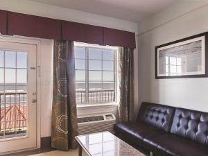 La Quinta Inn & Suites South Padre Island Beach, Hotels  South Padre Island - big - 42