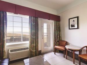 La Quinta Inn & Suites South Padre Island Beach, Hotels  South Padre Island - big - 55