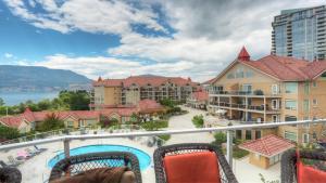 . Discovery Bay Resort by kelownacondorentals
