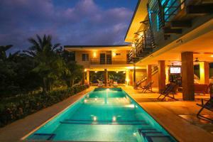 Casa Moderna De Playa Fitos House, Montezuma