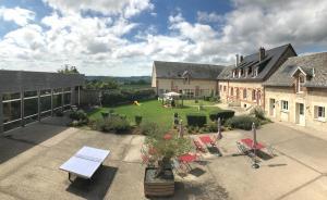 Location gîte, chambres d'hotes Ferme Du Chateau dans le département Aisne 2