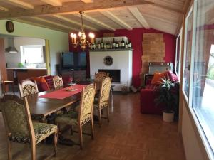 Ferienwohnung Obstgarten - Apartment - Sommeri