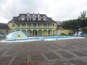 Dunn's Apartments at Sandcastles - Ocho Rios
