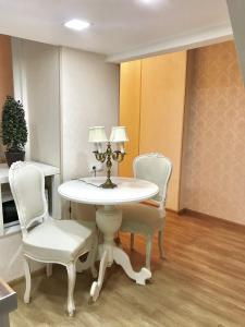 Charming Apartment in Old Town, Apartmány  Tbilisi - big - 11
