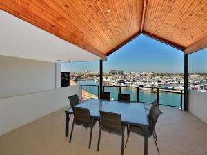 Luxury on Spinnaker Quay