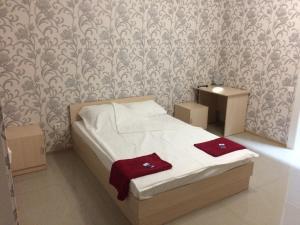 Гостиницы Новомышастовской