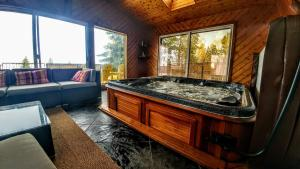 . Hot Tub & Sauna 2 Bedrooms