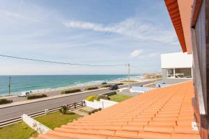 obrázek - Beachfront Surf Villa with Pool