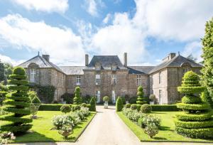 Location gîte, chambres d'hotes Château de La Ballue - Les Collectionneurs dans le département Ille et Vilaine 35
