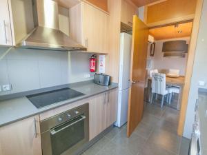 Bon Relax Flat 2, Apartmány  Sant Pere Pescador - big - 26