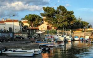 La Casa Di Iside A Mare - AbcAlberghi.com