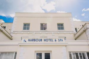 Christchurch Harbour Hotel & Spa (2 of 93)