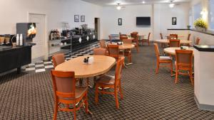 Magnuson Hotel and Suites Alamogordo, Hotels  Alamogordo - big - 57