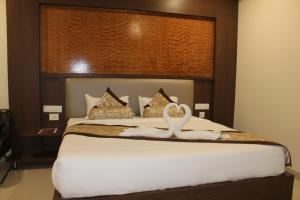 Deluxe Double Room Hotel Grand Gayathri