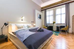 Apartment Nebovidy I - Free Parking - Terrace - Hotel - Prague
