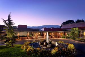 Accommodation in Monterey
