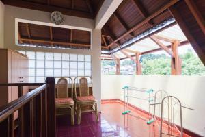 Pele Guesthouse, Penzióny  Bandung - big - 40