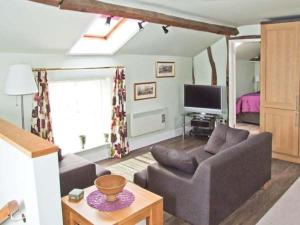The Hayloft, Worcester - Crowle
