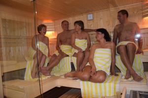 Hotel Garni Brunnthaler, Отели  Гармиш-Партенкирхен - big - 87