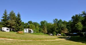 Camping Naturiste Terme d'Astor, Campeggi  Saint-Avit-Rivière - big - 2