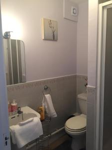 Spanish Arch City Centre Duplex Apartment, Case vacanze  Galway - big - 47
