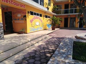 Hotel y Balneario Playa San Pablo, Отели  Монте-Гордо - big - 9