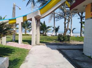Hotel y Balneario Playa San Pablo, Отели  Монте-Гордо - big - 19