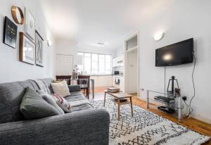 Super Soho Location - Super chic 2 bedroom flat! - London