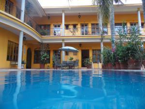 . Hotel Plaza del Sol