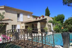 Villa Solary - Accommodation - Le Pontet