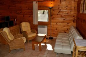 Camping Naturiste Terme d'Astor, Campeggi  Saint-Avit-Rivière - big - 6