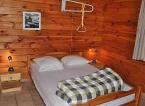 Camping Naturiste Terme d'Astor, Campeggi  Saint-Avit-Rivière - big - 8