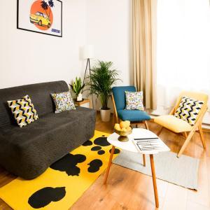 Mellow Yellow Apartment Old Town