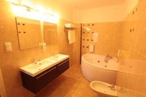 Hotel Alta, Hotely  Brzozów - big - 25