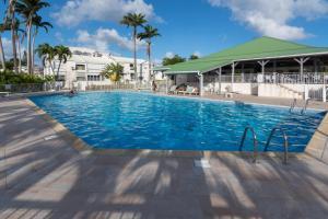 Superbe studio en duplex, vue sur mer et piscine - Le Gosier